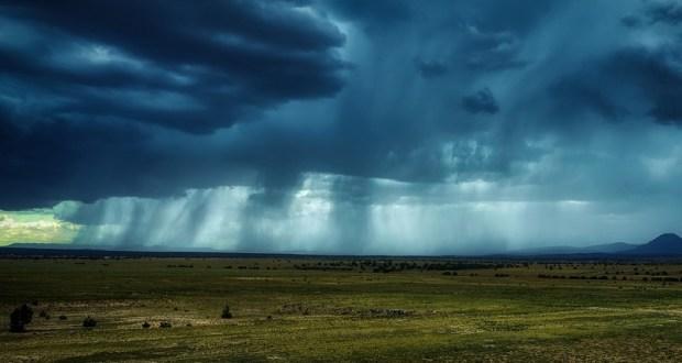 На воскресенье и понедельник в Крыму объявлено штормовое предупреждение