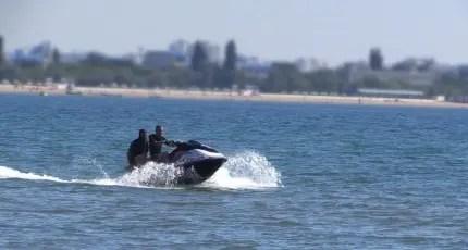Катался на гидроцикле и едва не утонул. Спасательная операция в Сакском районе Крыма