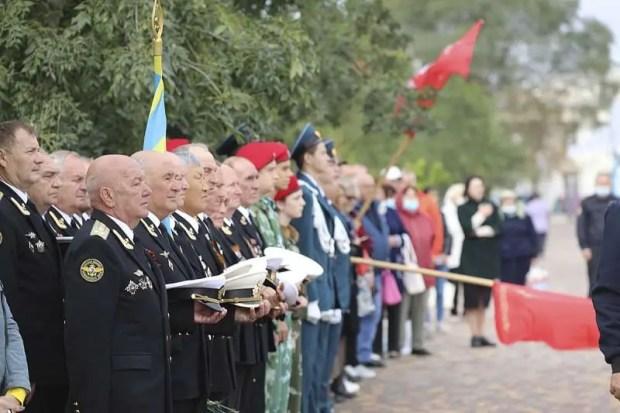 В Крыму торжественно открыли памятник Герою России, капитану Сергею Косачёву