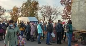В эти выходные более 100 фермеров привезли в Симферополь порядка 120 тонн собственной продукции