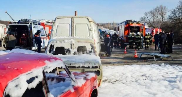 В Севастополе сотрудники МЧС ликвидировали последствия ДТП с участием восьми автомобилей