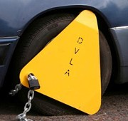 Watch How This Vehicle Owner Defeats the DVLA Car Clampers