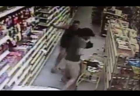 Florida mom saves her daughter from crazy kidnapper in grocery store