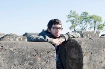 El joven autor de esta investigación. (Foto Paula Salischiker).