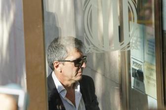Jorge Messi al llegar al juzgado a declarar.