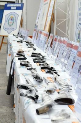 Las armas secuestradas en los allanamientos.