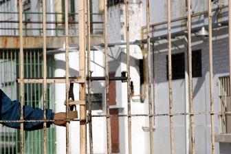 Las torturas son una práctica corriente en las cárceles.