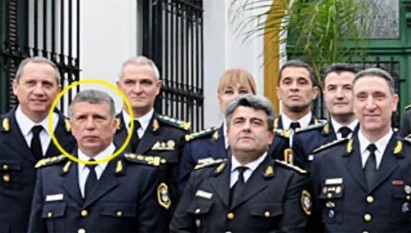 Martín, a la izquierda.