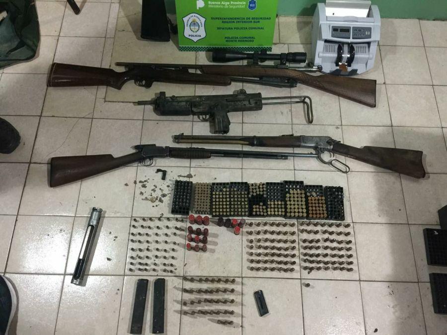 Las armas encontradas.