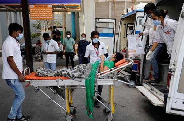 ভারতে জরুরি ওষুধ-চিকিৎসা উপকরণ পাঠাচ্ছে বাংলাদেশ