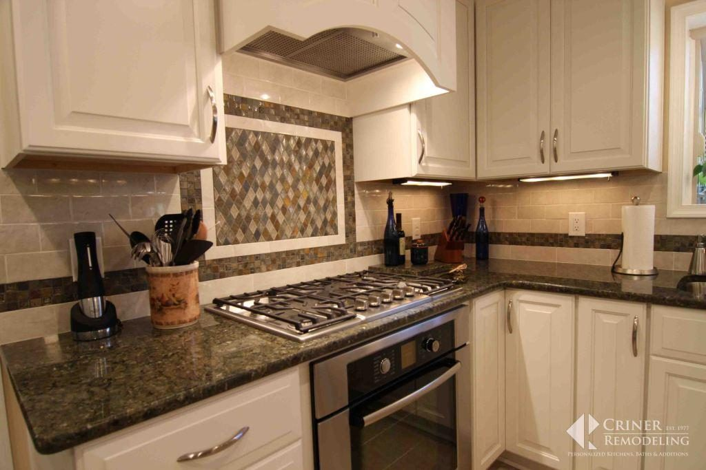 Small Kitchen Remodel Ideas: Make the Most of Your Space ... on Small:xmqi70Klvwi= Kitchen Remodel Ideas  id=70437