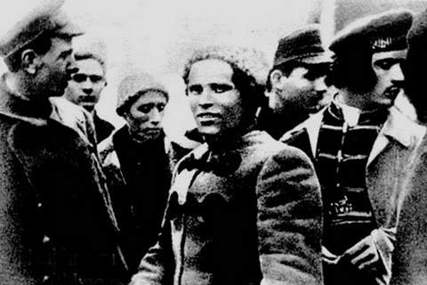 Махно Н.И. среди повстанцев. Гуляйполе. Фото. 1919