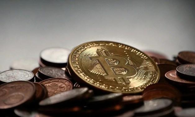 Bitcoin começa a semana ao alçar sobre os US $ 2.590 encabeçando criptomoedas