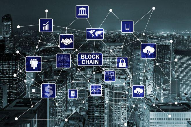 83136103 - blockchain concept in database management