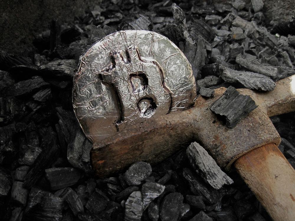 """""""Arqueólogos de Bitcoin"""" recuperan contraseñas con fuerza bruta e hipnosis"""