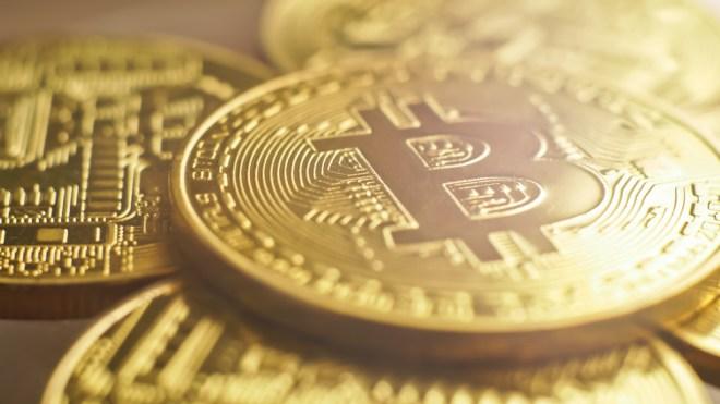 Bitcoin Oro Economistas