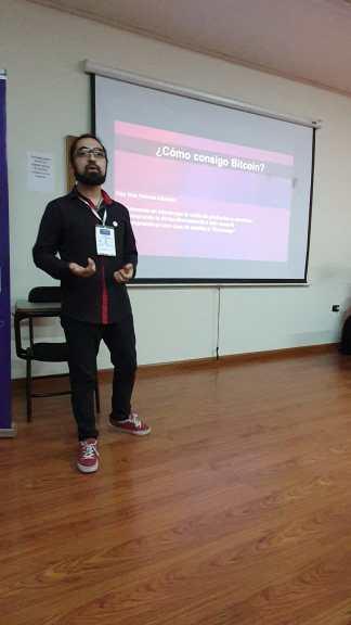 Bitcoins - Exequiel Loza disertando en la Jornada Blockchain de Córdoba
