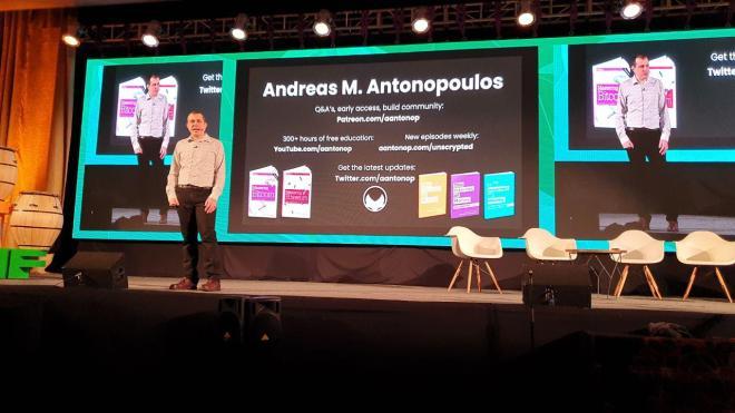 Dinero - Andreas M. Antonopoulos exponiendo en laBITconf 2019