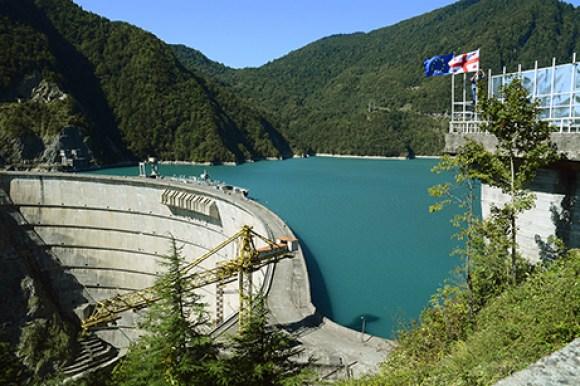 La central hidroeléctrica de Inguri, es la principal fuente de energía de Abjasia, sin embargo, no da abasto ante el crecimiento de la minería Bitcoin. Fuente: Agenda.ge