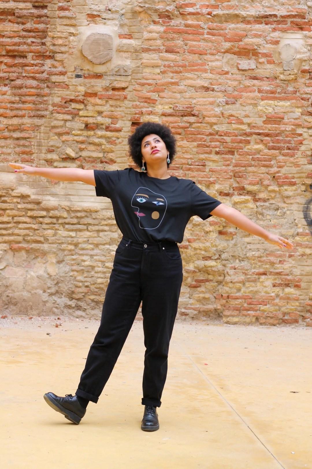 Camiseta Las Picassas Negra Algodón Orgánico La Modateca Crisálida2