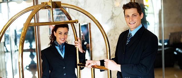 Diplomados en hospitalidad y turismo.