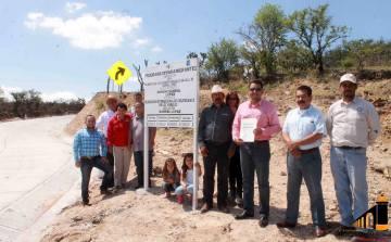 Inauguración de carretera a Gabriel López