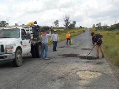 Campaña de bacheo en Accesos a Nochistlán