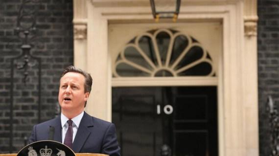 Παραιτήθηκε ο Κάμερον μετά το Brexit, κραχ στις αγορές