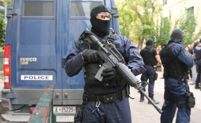 Πυριτιδαποθήκη ο Αφγανός που συνελήφθη στο Λυκαβηττό:  Είχε επάνω του 78 πυροκροτητές