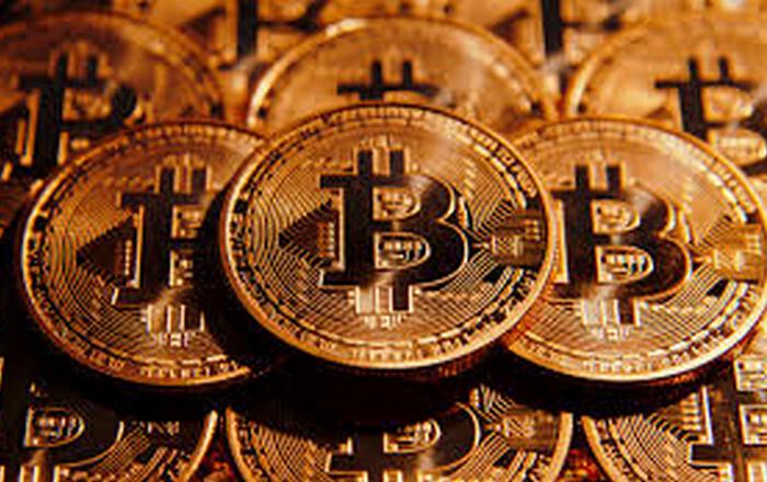Το bitcoin «σπάει» το φράγμα των $1.200