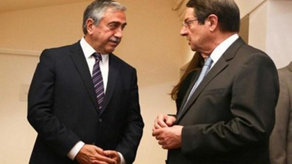 Επικοινωνία Αναστασιάδη με Τσίπρα, επίθεση στα media