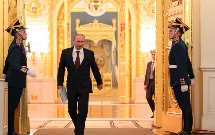 Κρεμλίνο: «Μπλόφα» η έρευνα του CNN