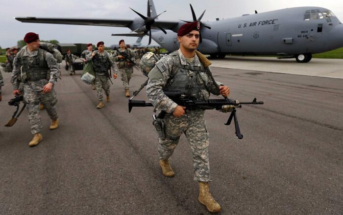 Ο Τράμπ θέλει περισσότερα κονδύλια της ΕΕ για NATO και όπλα από ΗΠΑ