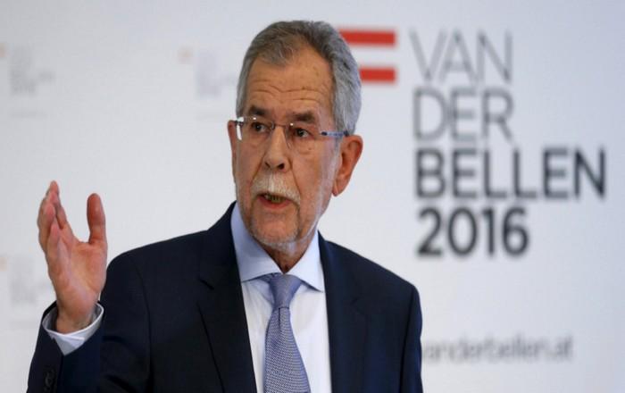 Αυστρία: Η ακροδεξιά στον πάγκο, νίκησε ο Σοσιαλδημοκράτης Βαν ντερ Μπέλεν