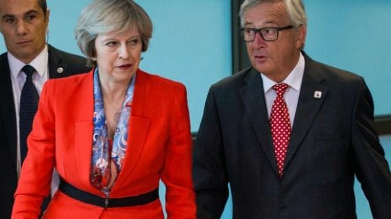 Soft Brexit: Η Μέι δίνει ίδια δικαιώματα στους Ευρωπαίους στη Μεγάλη Βρετανία