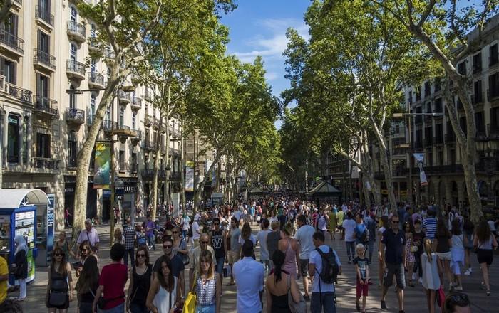 Στο χείλος της Αβύσσου η Καταλονία