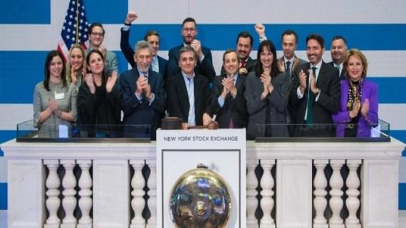 """Επιχείρηση """"επενδυτικό κλίμα"""" στην ελληνική οικονομία, με διαρροές, δημοσιεύματα, συνέδρια"""
