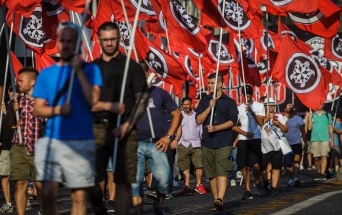 Ακροδεξιός ναζιστής ο Ιταλός που επιτέθηκε και τραυμάτισε μετανάστες