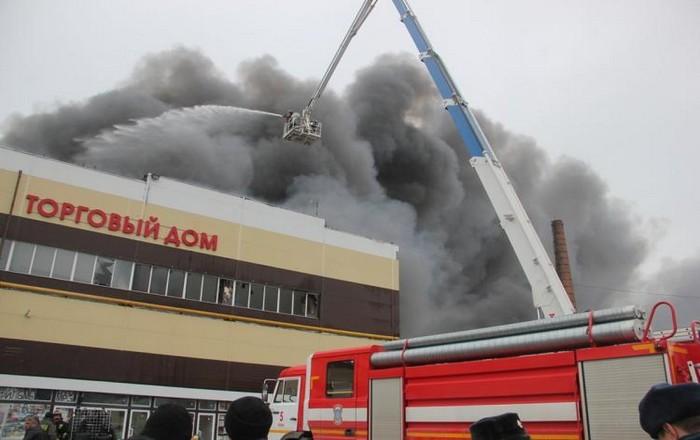 Ρωσία: Θα ξεπεράσουν τους 60 οι νεκροί από τη φωτιά στο Mall