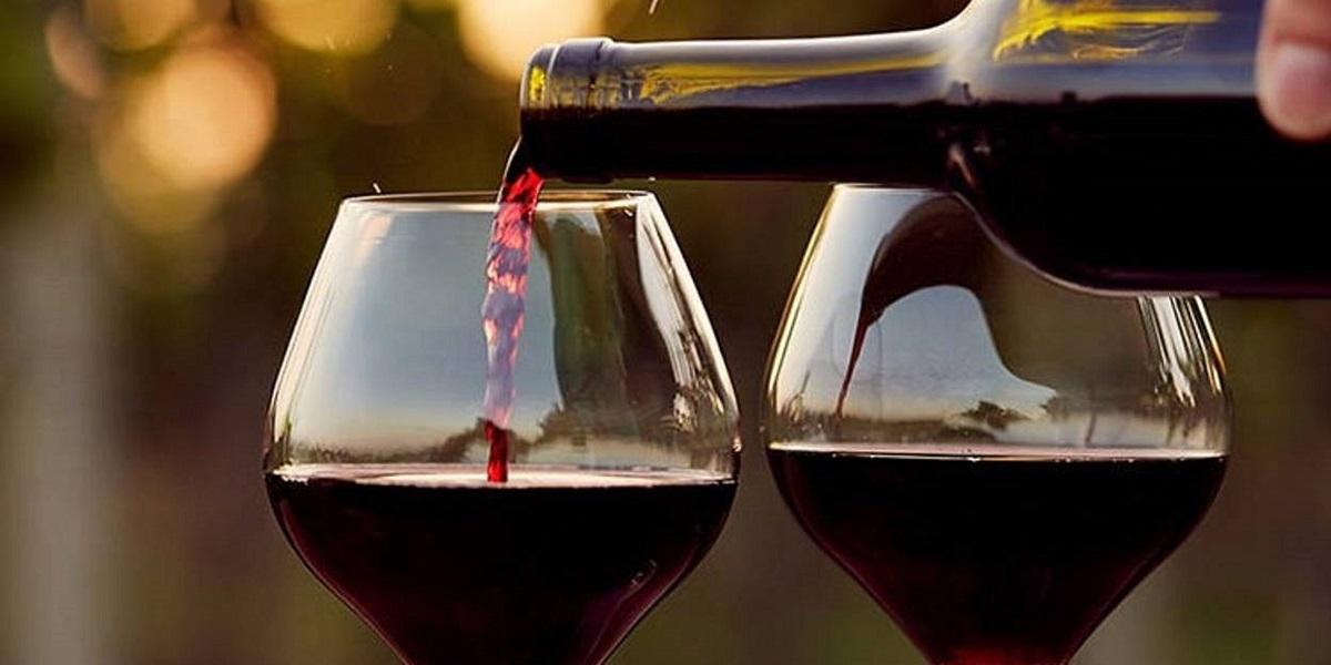 вино, вкус вина, центр тяжести, манипулятор с вином, японские ученые