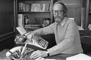 Elmore Leonard, 1983  (AP Photo/Rob Kozloff)