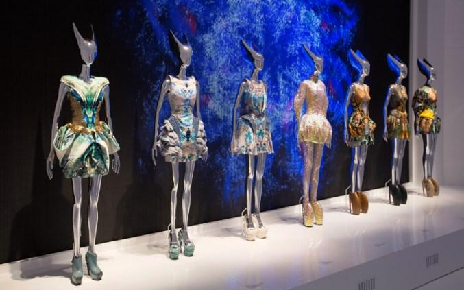10._installation_view_of__platos_atlantis_gallery_alexander_mcqueen_savage_beauty_at_the_va_c_victoria_and_albert_museum_london_1