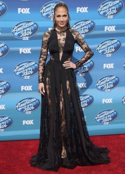 80-JEnnifer-Lopez---American-Idol-Grand-Finale-Show