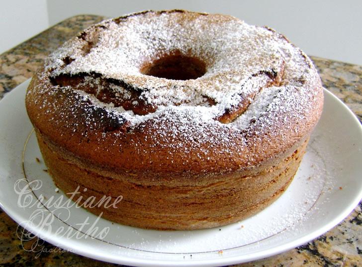 Receita de bolo preparado no liquidificador com maçã
