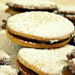 Biscoitos amanteigados recheados