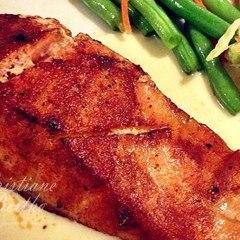 Filé de salmão dourado