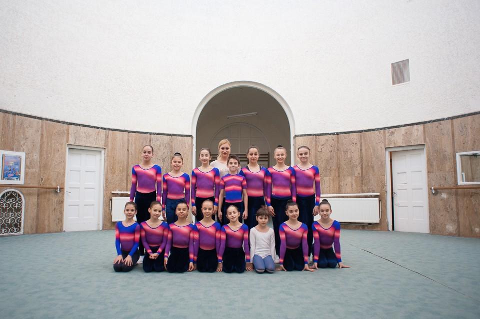 antrenament junioare gimnastica 17