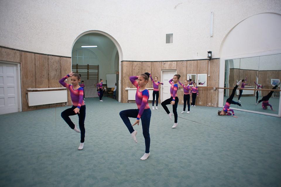 antrenament junioare gimnastica 37