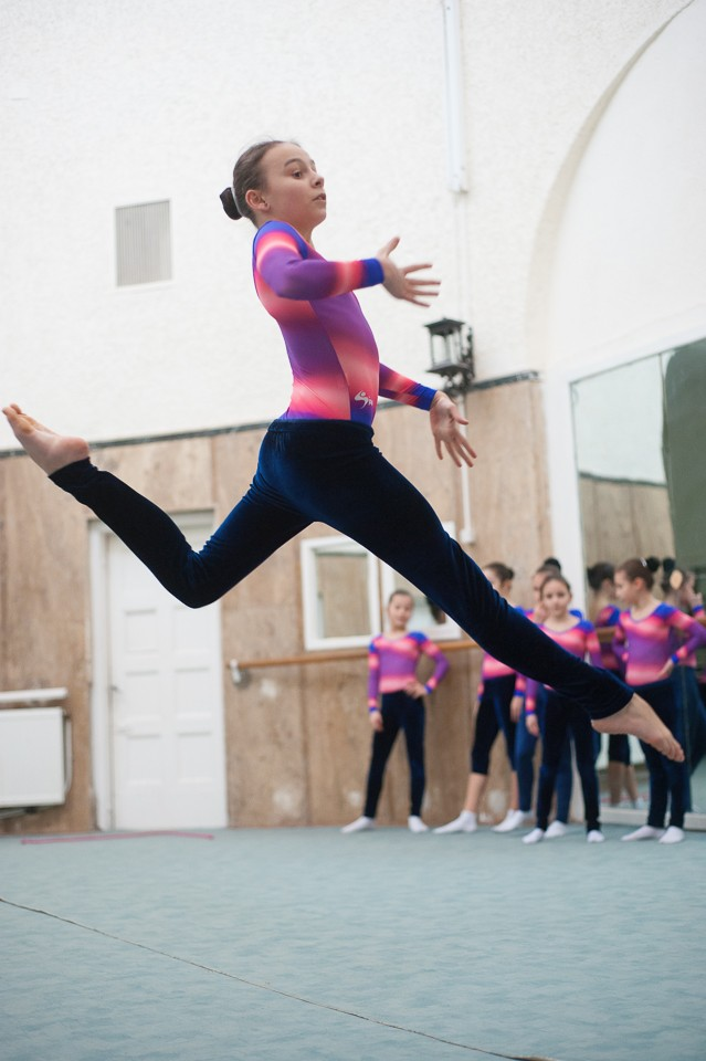 antrenament junioare gimnastica 45