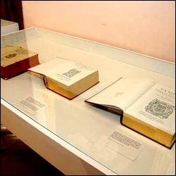 Exponen textos sagrados que datan del siglo XVI